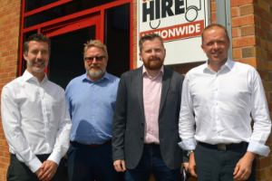 Driver Hire Sheffield Franchisees Ian and Rob renew franchise agreement for another 5 years